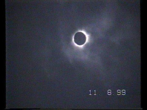 Teljes napfogyatkozás (1999.08.11)