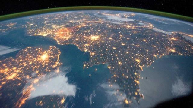 Országok az űrből